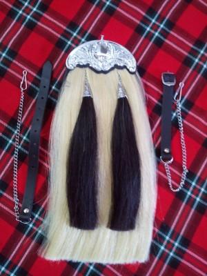 White Horse Hair Sporran With Black Tassels